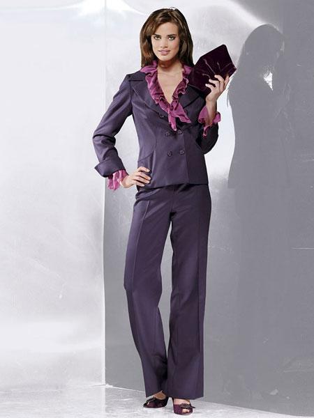 Брючный костюм женский италия